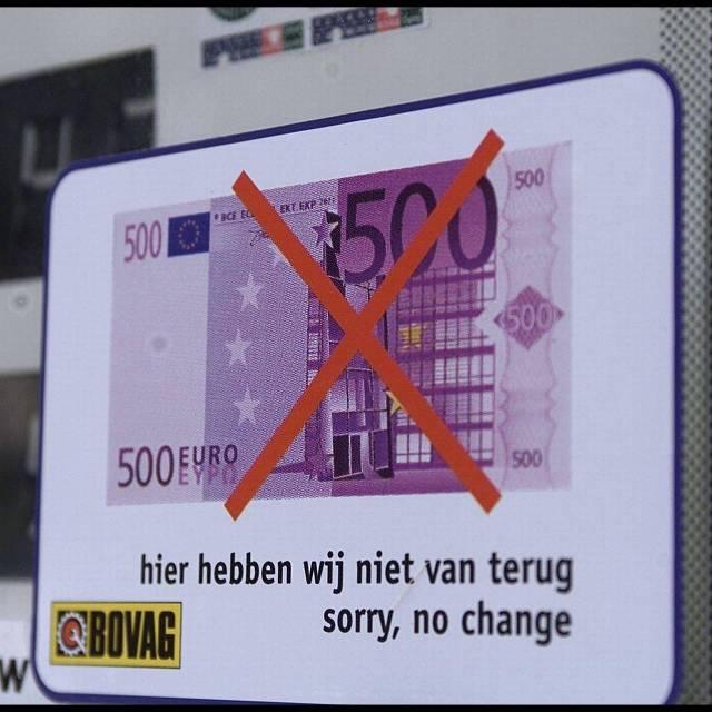 Vijfhonderdeurobiljet: te groot voor winkels, handig voor criminelen.