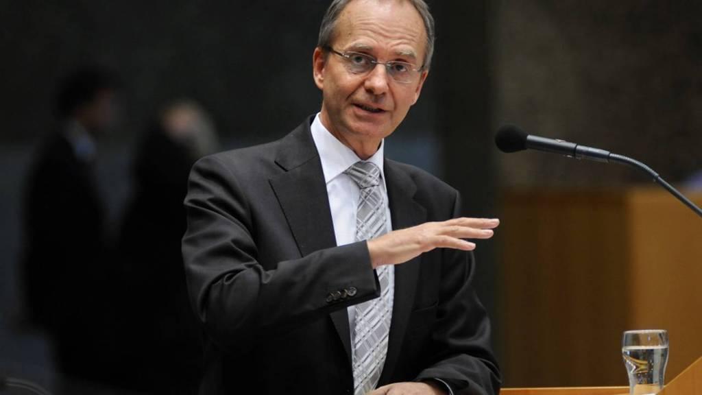 Minister Kamp belooft één loket voor kredietadvies