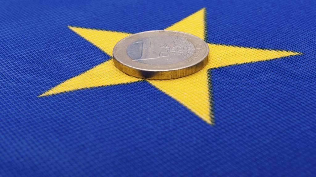 Euro op Europese vlag