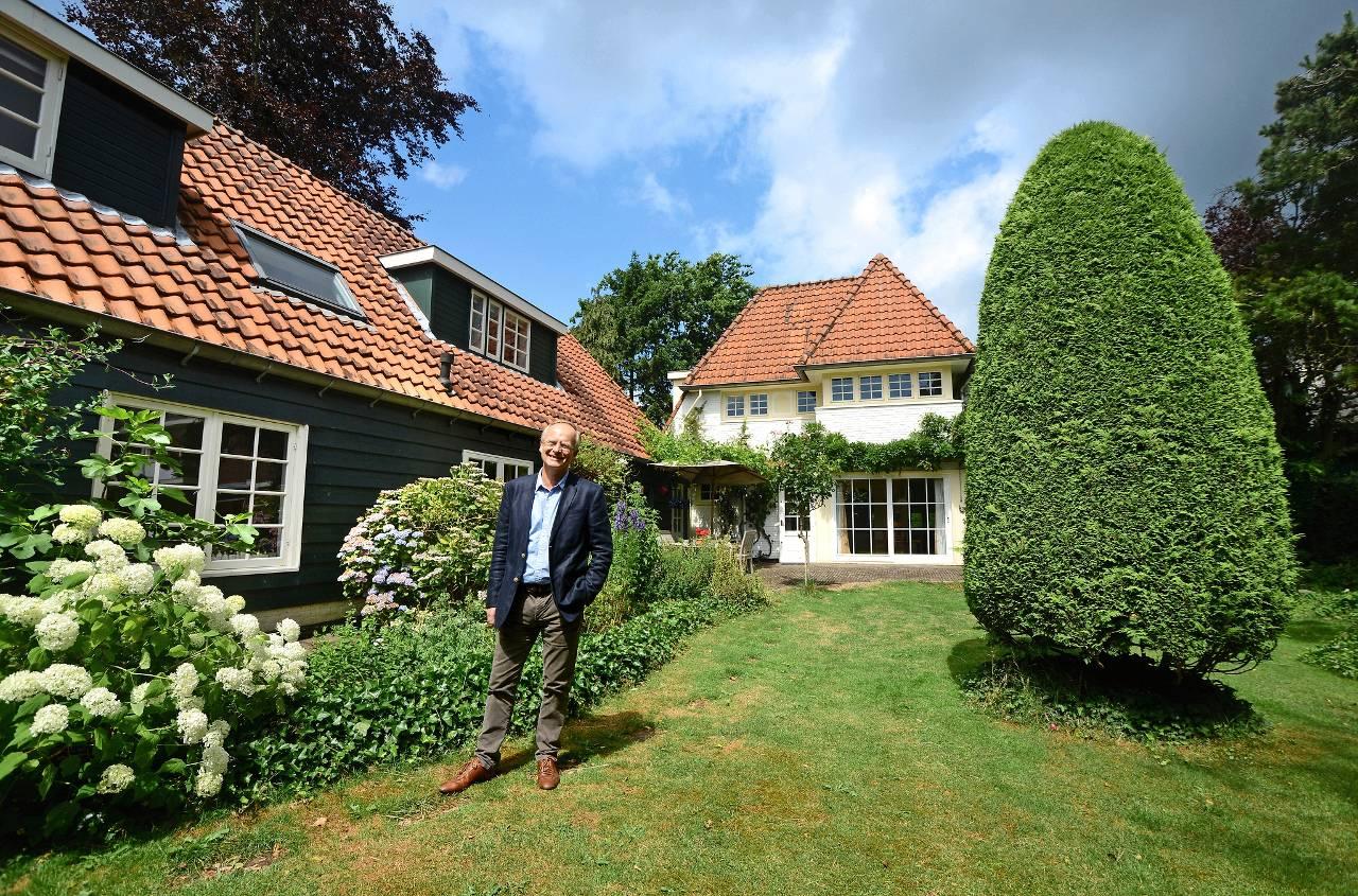 Verborgen villa net buiten de vesting het financieele dagblad - Buiten villa outs ...