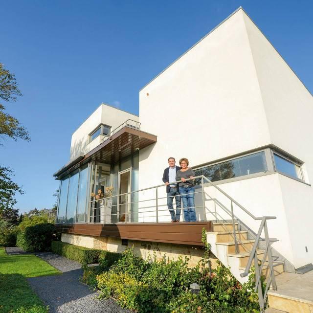 Moderne villa aan de amstel met oosterse tuin het financieele dagblad - Zie in het moderne huis ...