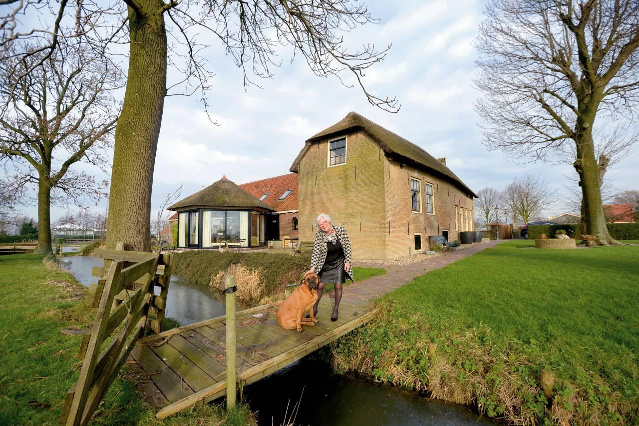 Twee woningen in een monumentale boerderij het for Boerderijwoning te koop