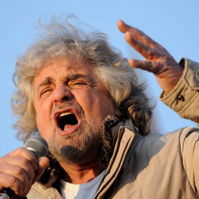 Beppe Grillo, leider van de eurosceptische Vijfsterrenbeweging.  foto: Reuters