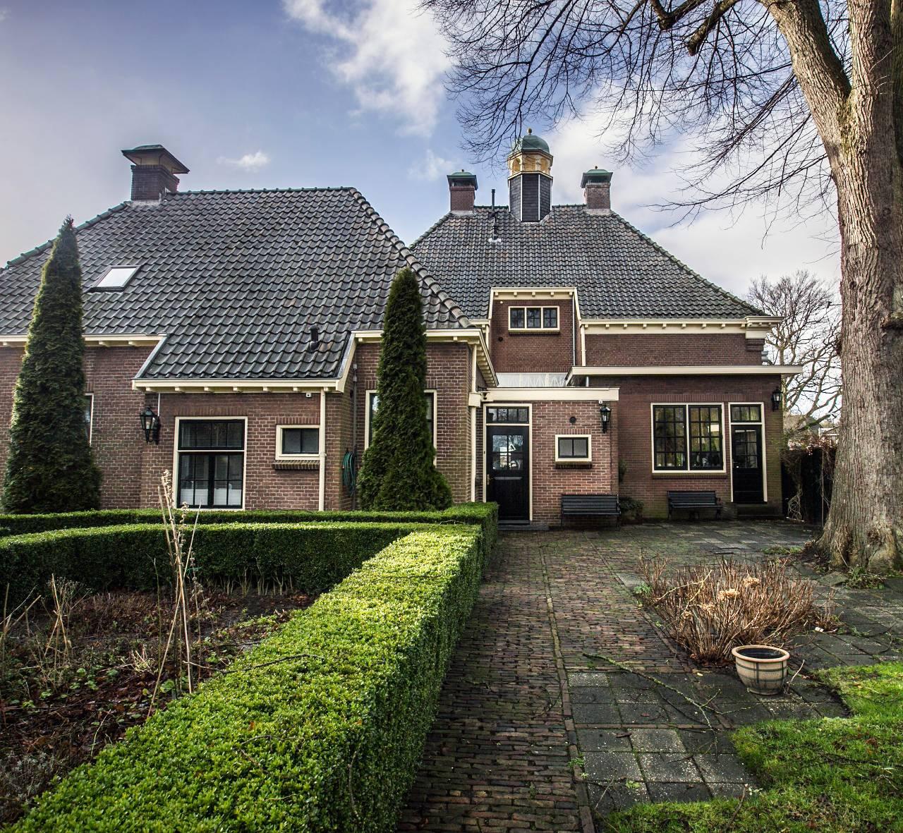 Fotoserie huis te koop het oude gemeentehuis van rolde het financieele dagblad - Zie in het moderne huis ...